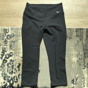 Nike Dri-Fit Capri Workout Pants SZ XS